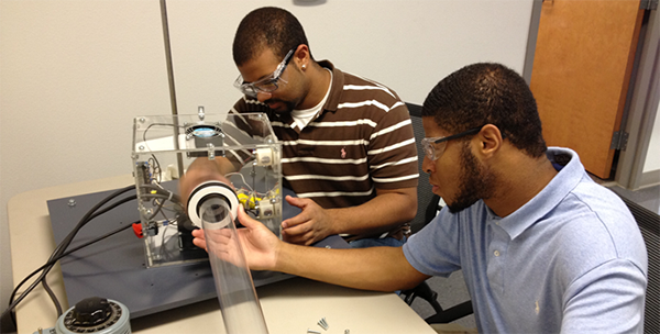 REU students working on energy conservation technology for NCREPT
